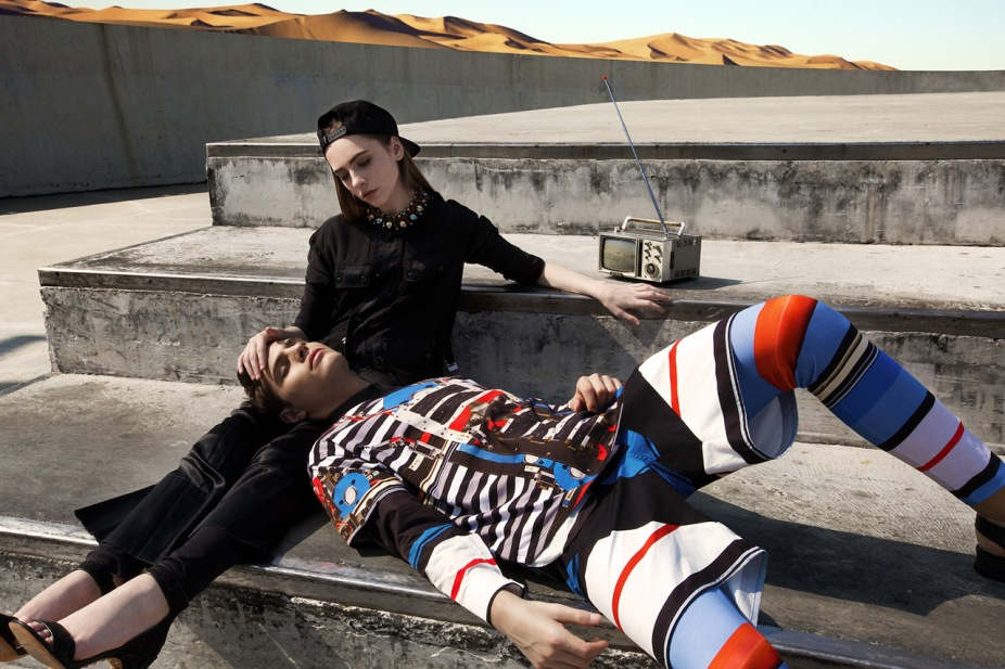 givenchy-2014-spring-summer-driving-the-dunes-of-erg-chebbi-editorial-5